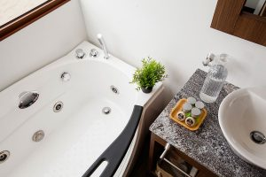 B2 Deluxe Suite - Badezimmer