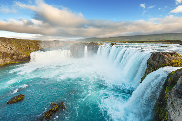 godafoss-polaris-tours